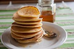 Pancake fragranti per la prima colazione Immagine Stock Libera da Diritti