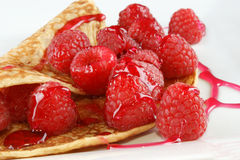 pancake with fresh organic raspberries Royalty Free Stock Photos