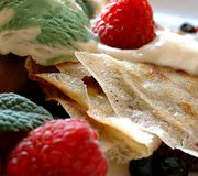 Pancake with fruits. And ice cream Royalty Free Stock Photos