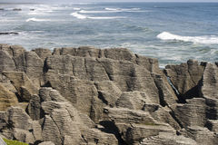 Pancake rocks with ocean Royalty Free Stock Images