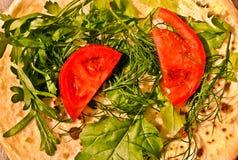 Pancake russi con le verdure e le erbe Fotografia Stock