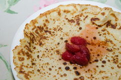 Pancake with strawberries Royalty Free Stock Photography