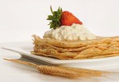 Pancake sul plate Immagini Stock Libere da Diritti