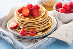 Pancakes with berry and honey Royalty Free Stock Photography