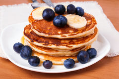 Pancakes with blueberry and bananas Royalty Free Stock Photos
