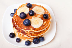 Pancakes with blueberry and bananas Royalty Free Stock Photography