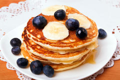 Pancakes with blueberry and bananas Royalty Free Stock Images