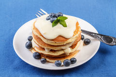 Pancakes with fresh blueberry Royalty Free Stock Images
