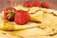 Pancakes and fresh strawberry Stock Photography