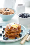 Pancakes with syrup and blueberry Royalty Free Stock Photos