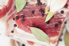 Pancetta affumicata e spezie Fotografia Stock