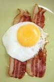 Pancetta affumicata ed uova Immagini Stock