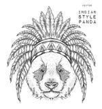 Panda en la cucaracha india Tocado indio de la pluma del águila Tienda extrema del deporte Imágenes de archivo libres de regalías