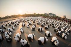 1.600 Pandapapiermacheskulpturen werden in Bangkok aufgewiesen Lizenzfreies Stockbild