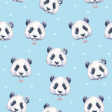 Pandas auf hellblauem Hintergrund Nahtloses Muster Blühende Bäume auf den Querneigungen des Wicklungflusses Abbildung der Kinder  Lizenzfreie Stockfotos