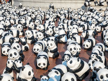 Pandas de tour du monde 1600 à Bangkok Photos stock