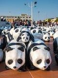 Pandas de tour du monde 1600 à Bangkok Images stock