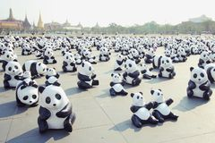 1600 Pandas+-Th, Document mache Panda's om 1.600 Panda's te vertegenwoordigen Royalty-vrije Stock Foto's