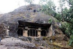 Pandav洞,帕奇马尔希恰恩特特 免版税库存图片
