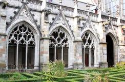 Pandhof trädgård av Dom Church, Utrecht, Holland Arkivbild