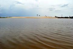 Pandorivier en eenzame duinen stock foto's