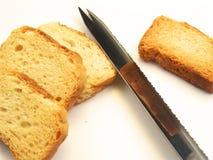 Pane affettato con il coltello Fotografia Stock Libera da Diritti