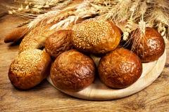 Pane al forno fresco con grano Fotografia Stock Libera da Diritti