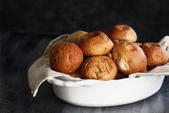 Pane al forno fresco di Rolls della cena Immagini Stock Libere da Diritti