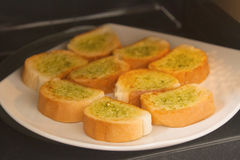 Pane all'aglio casalingo fresco Fotografie Stock Libere da Diritti