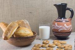 Pane bianco con i semi di girasole e il sesam Immagini Stock Libere da Diritti