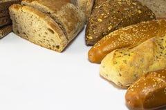 Pane in bianco e nero con i semi di girasole e le baguette del sesamo Immagini Stock Libere da Diritti