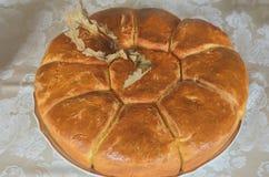 Pane casalingo serbo tradizionale di Natale con l'albero di Natale ed il pane Fotografia Stock