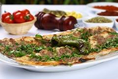 Pane con carne - pizza turca fotografia stock