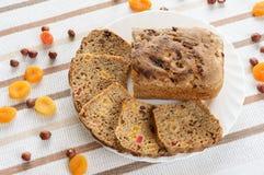 Pane con i frutti secchi Fotografie Stock
