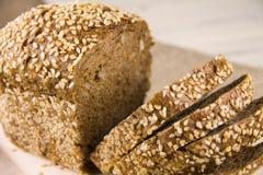 Pane con i semi di sesamo Fotografia Stock Libera da Diritti