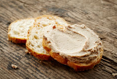 Pane con il pasticcio di fegato Immagine Stock