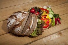 Pane con la verdura fresca Fotografia Stock Libera da Diritti