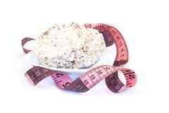 Pane croccante della segale di dieta e nastro di misurazione Fotografia Stock