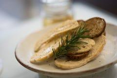 Pane croccante sul piatto Fotografia Stock Libera da Diritti