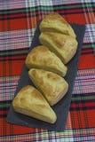 Pane di cereale - panini triangolari da farina di mais, cucina americana tradizionale immagini stock