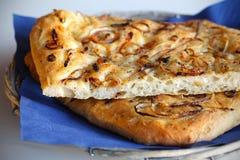 Pane di Focaccia con le cipolle ed il timo Immagini Stock Libere da Diritti