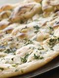 Pane di Naan del coriandolo e dell'aglio Immagine Stock