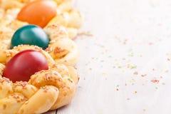 Pane di Pasqua con le uova Immagine Stock