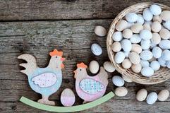 Pane di Pasqua ed uova di Pasqua, festival di Pasqua, decorazione sui giorni di Pasqua Immagine Stock