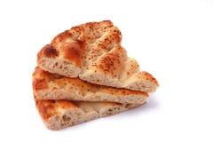 Pane di pita delle tre fette isolato su bianco Fotografie Stock