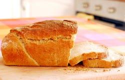 Fette fresche di pane di lievito naturale Immagini Stock