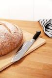 Pane e lama su una scheda di taglio Fotografia Stock Libera da Diritti