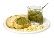 Pane e salsa di pesto fotografie stock
