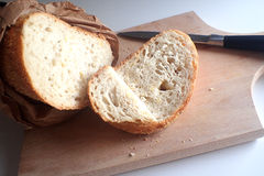 Pane e un coltello Fotografie Stock