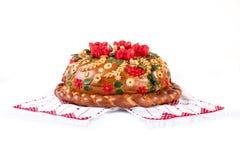 Pane festivo ucraino di festa del forno su bianco Immagini Stock